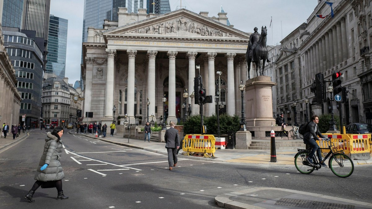 City of London to ban cars on busiest roads as lockdown eases   Financial  Times