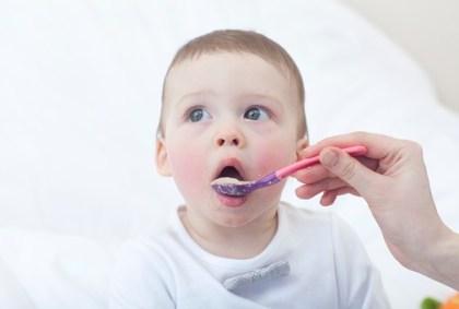 「フリー素材 赤ちゃん 食事」の画像検索結果