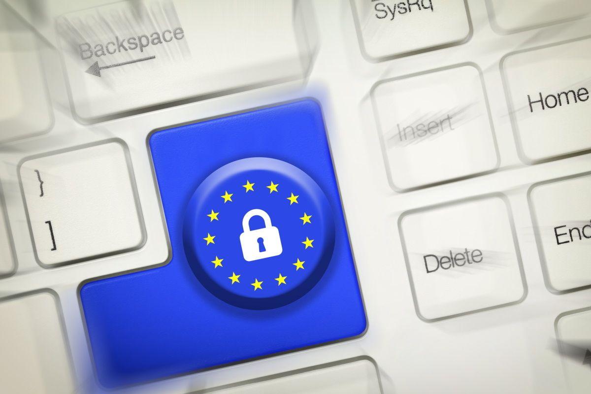 La Commission renforce les garanties contractuelles pour le transfert des données hors UE