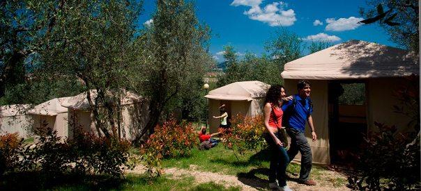 Campeggio a Firenze, toc toc