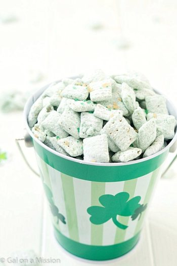 St.-Patricks-Day-Puppy-Chow-2-2