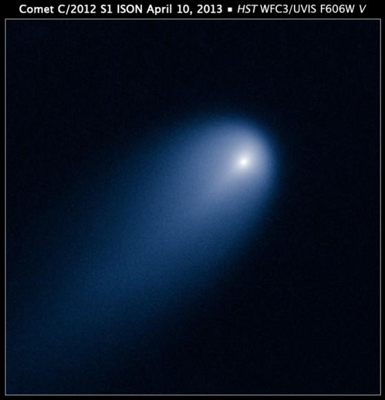 El Telescopio Espacial Hubble de la NASA proporciona una mirada de cerca del cometa ISON (C/2012 S1), que fotografió el 10 de abril, cuando el cometa estaba un poco más cerca que la órbita de Júpiter a una distancia de 386 millones de kilómetros del sol.  Crédito: NASA, ESA, J.-Y.  Li (Planetary Science Institute), y el cometa ISON Equipo de Imágenes de Ciencia Hubble.