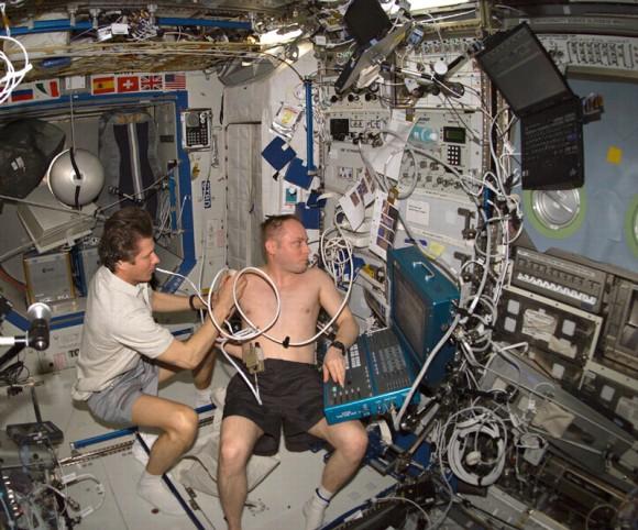 Realizar diagnósticos médicos a bordo de la estación espacial puede ser un negocio difícil (Imagen: NASA)
