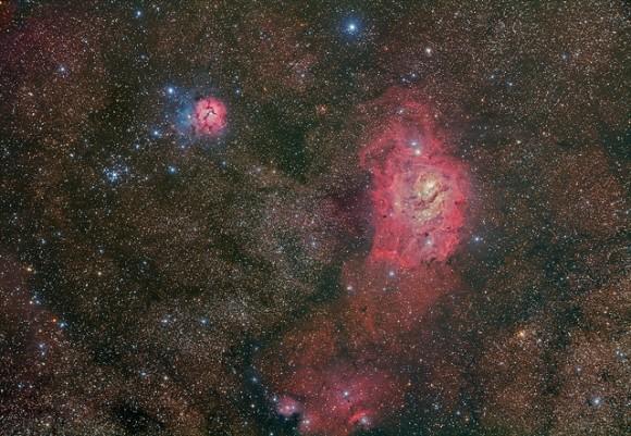 La Nebulosa de la Laguna M8 (NGC 6523), La Nebulosa Trífida M20 (NGC 6514), cúmulo estelar M21 y la región de formación de estrellas NGC6559.  Créditos y derechos de autor: Terry Hancock / Down Under Observatorio.