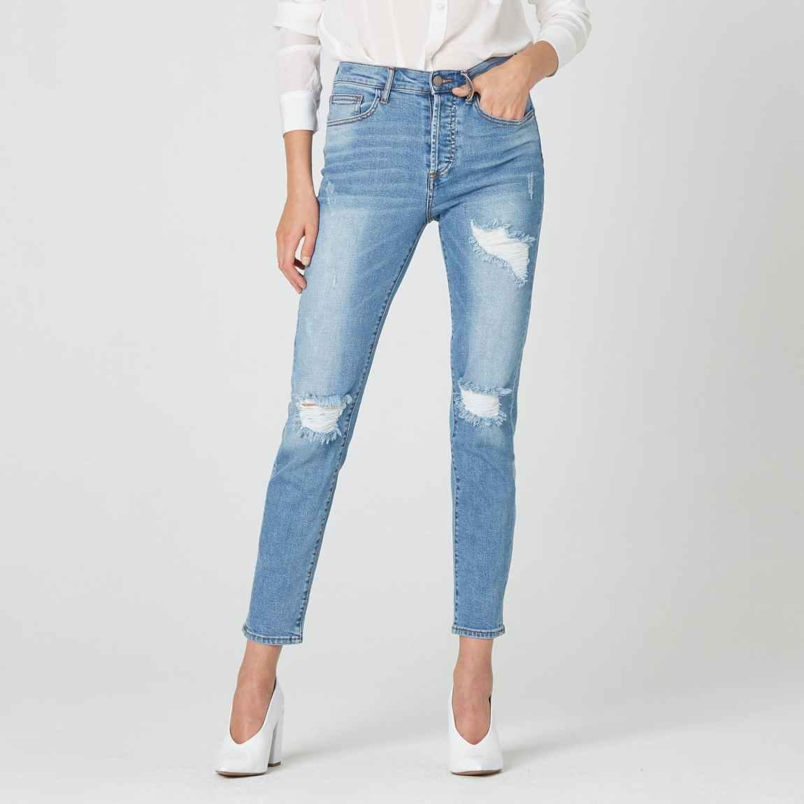 dstld, dstld jeans, high rise jeans, mom jeans, vintage jeans, lightwash denim, distressed jeans, destructed jeans, cropped jeans