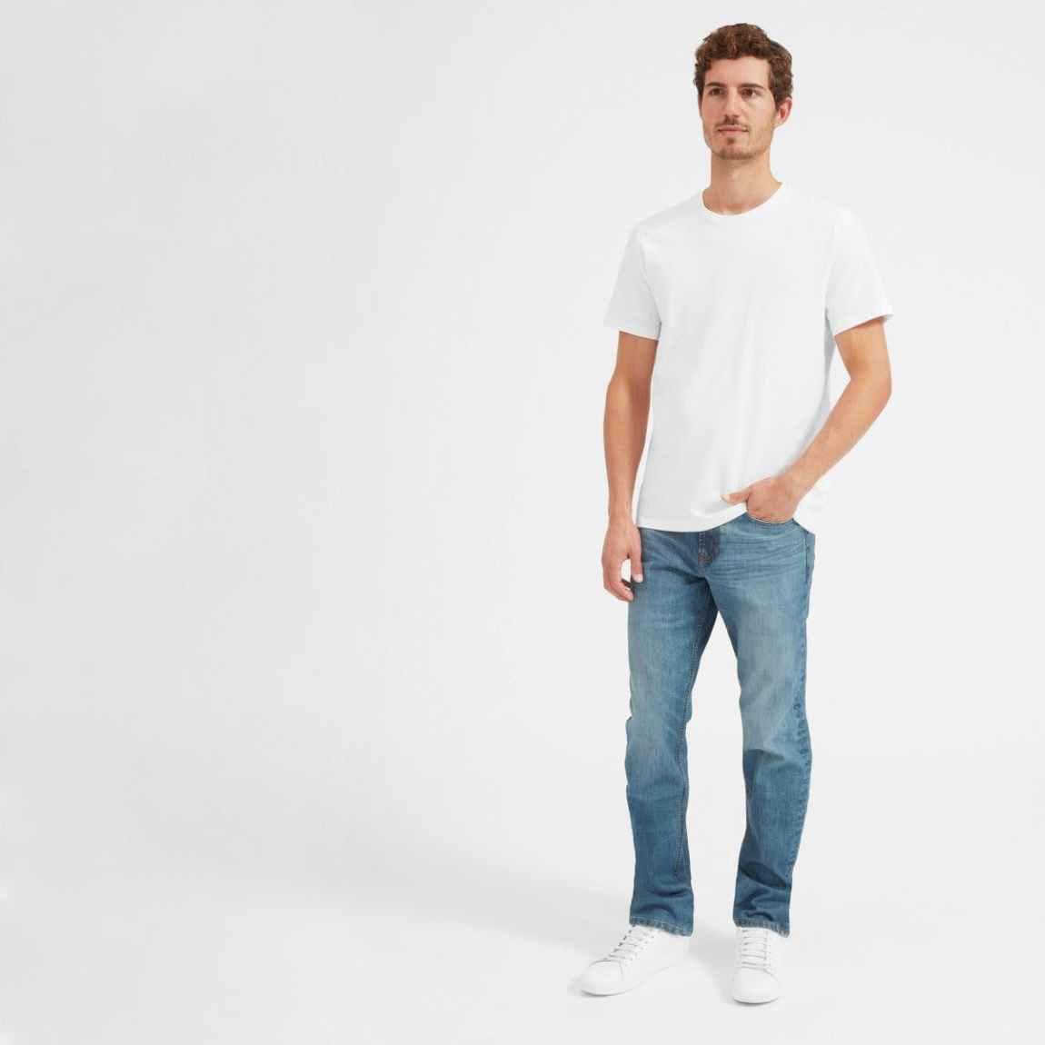 everlane, everlane jeans, everlane denim, japanese denim, straight fit jeans, light washed jeans, denimblog, denim blog