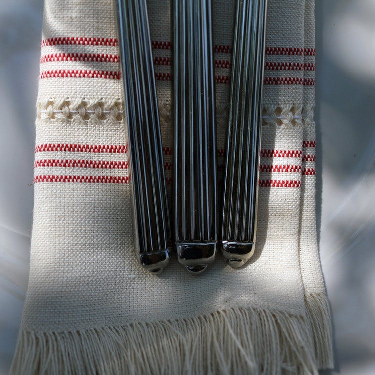 Each piece of the Handwoven VilaReal Linen Collection is made of Portuguese Linen and handwoven by three incredible women in the North of Portugal, just as it has been for thousands of years.