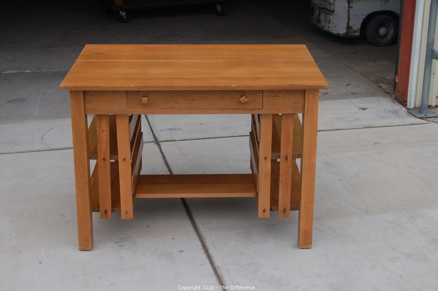 The Difference Auction Vintage Antique And Collectibles Item Mission Style Oak Desk