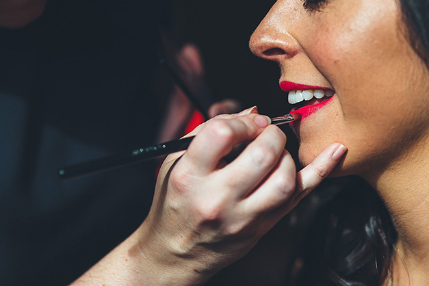 Why you should invest in a wedding make-up artist