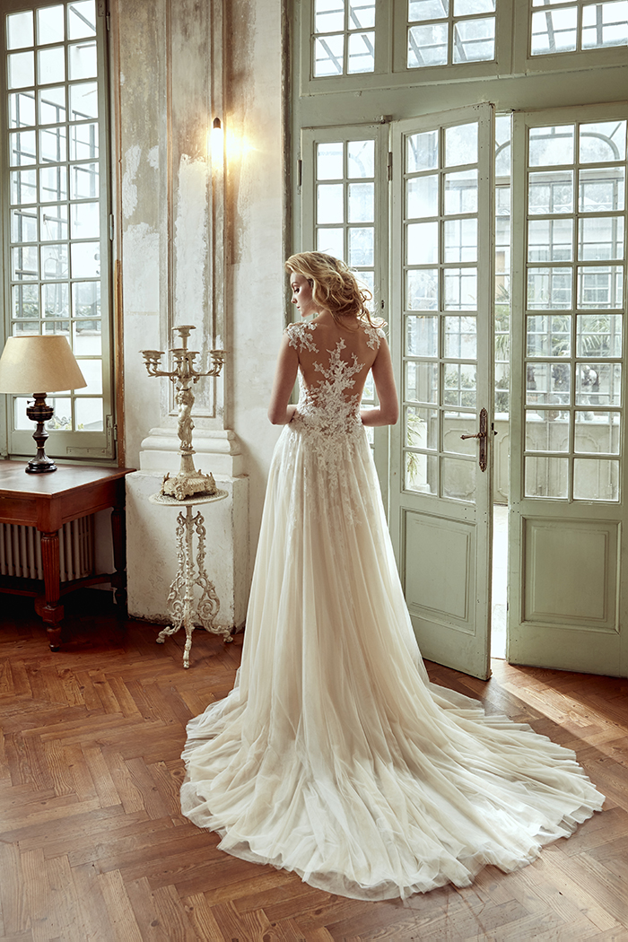 Best Wedding Dress | This Gown Was Just Named The Best Wedding Dress In The World