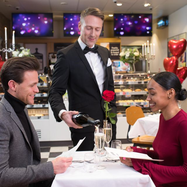 dating for professionals glasgow argumentative essay against online dating