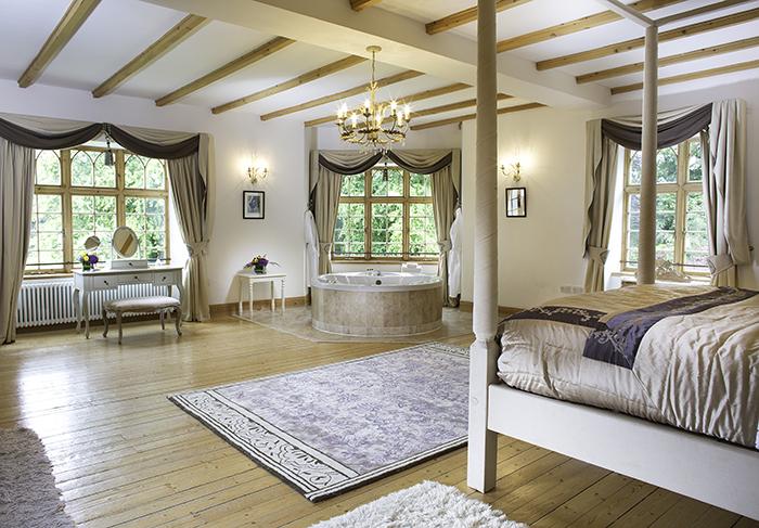 Achnagairn Castle Bridal Suite