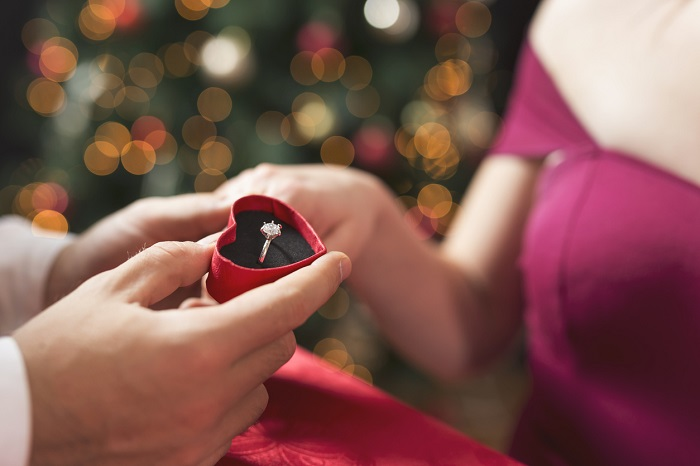 Propose at Christmas