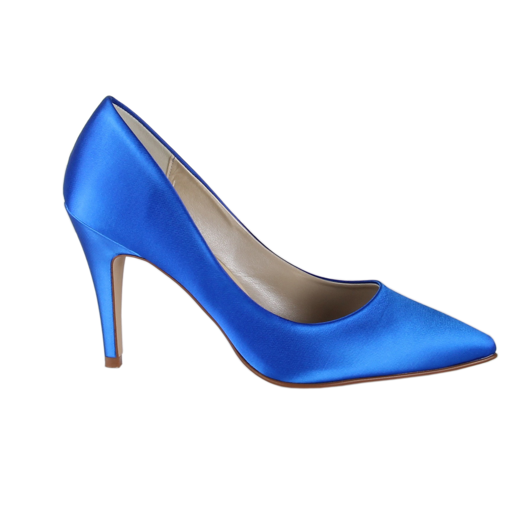 143757a698 We've found a designer dupe for Carrie Bradshaw's Manolo Blahnik ...