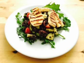 Salad with Beluga Lentils and Halloumi Cheese