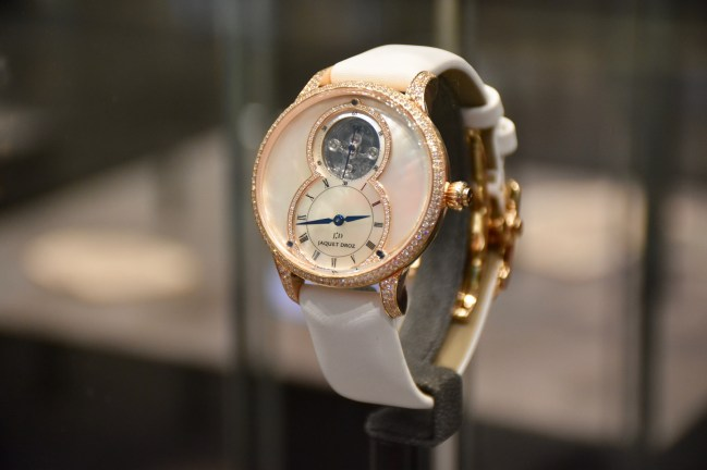 Baselworld 2017, Jaquet Droz returns to its legendary Grande Seconde and presented a new women's watch.
