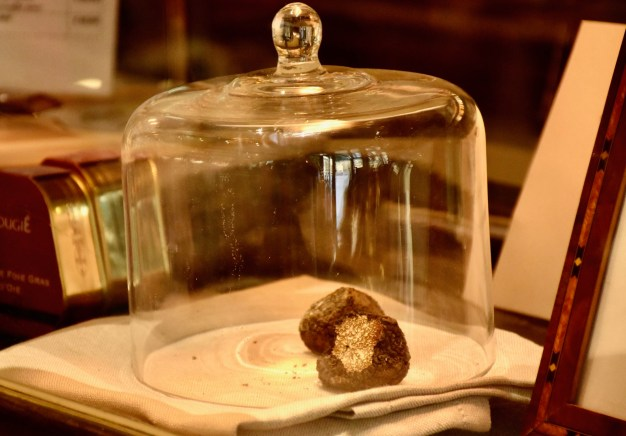 Florence Gourmet Food Tour, trying delicious truffles