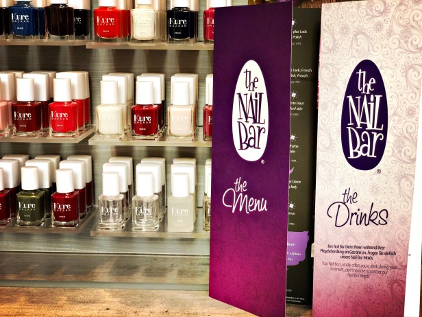 Nail Bar offers gift cards that are valid at any Nail Bar around Switzerland