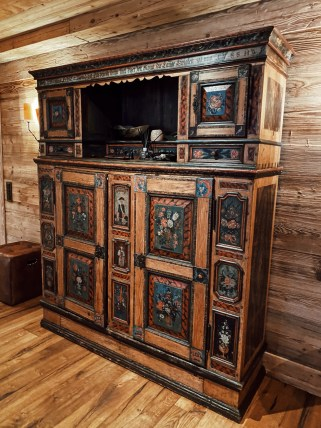 The Alpina Gstaad, antic furniture from the local sources