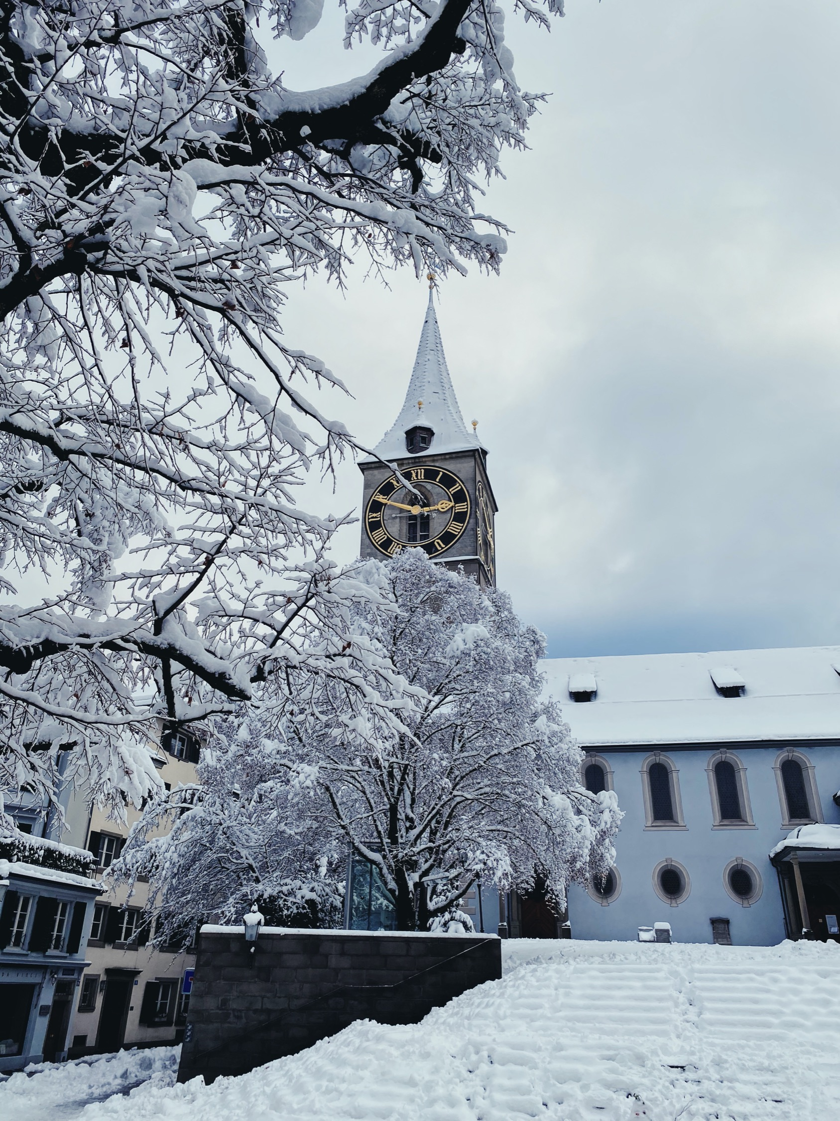 Record snow in Zurich, St. Peter Church, January 2021