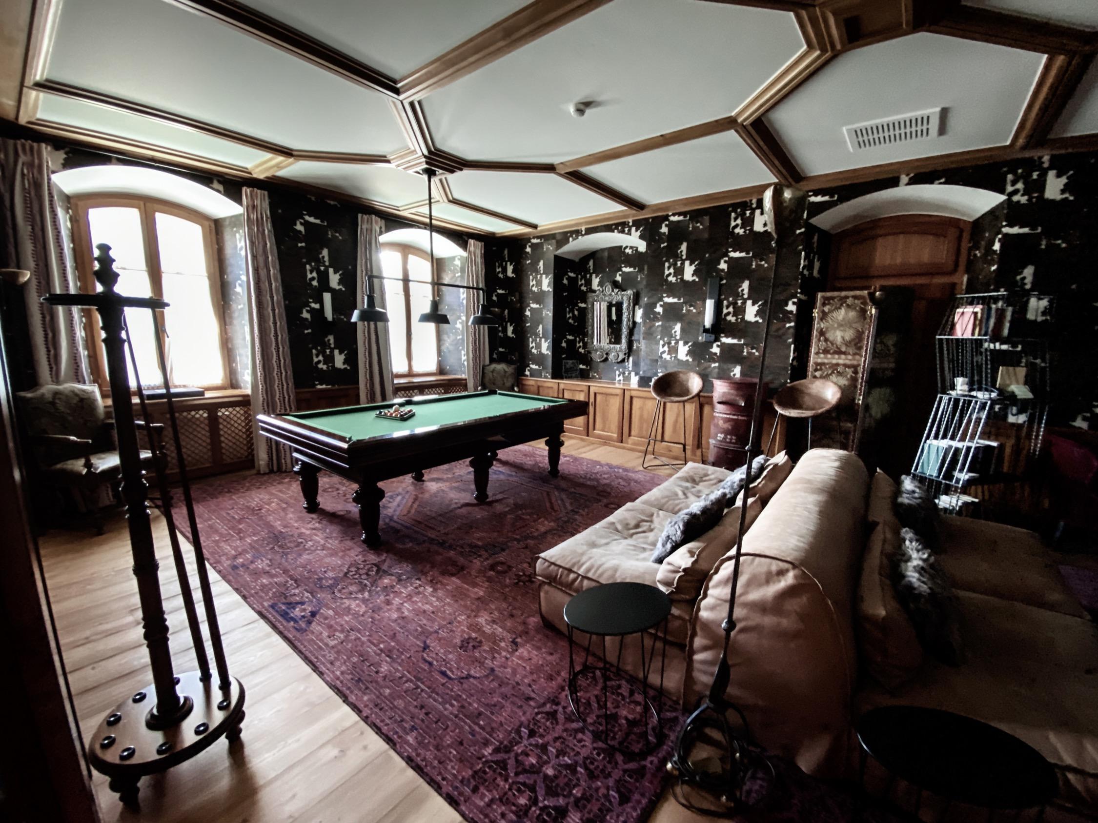 Billiard and chess salone, Riffelalp Resort 2222m