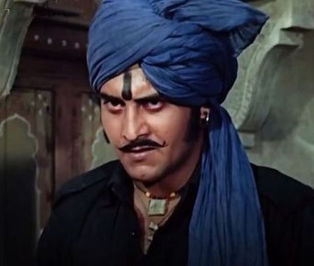 Vinod Khanna Conquered Hindi Cinema By Just Being There