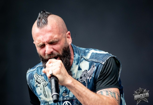 Killswitch Engage Perform Their Rain Dance In Florida