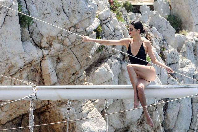 画像3: 「世界で最も稼ぐモデル」ケンダル・ジェンナーの『休日』が優雅すぎる