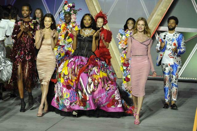 画像: ファッションショーは大盛り上がり!