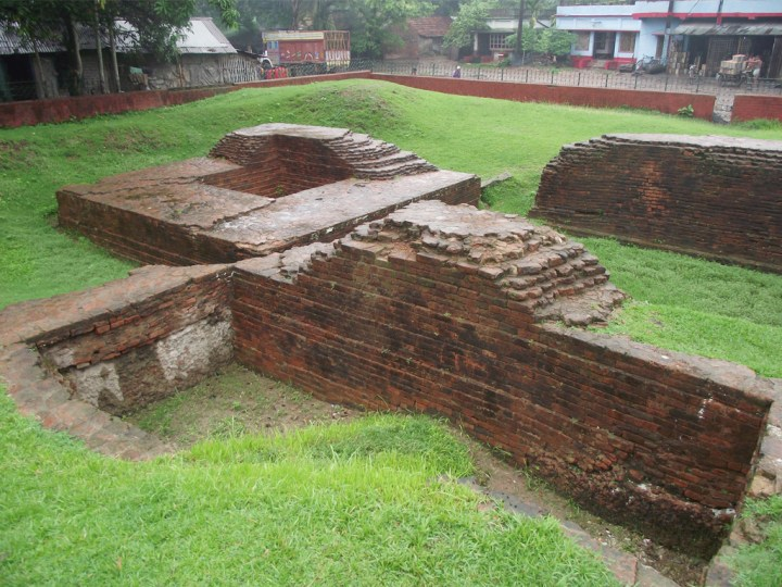 remains of the mysterious chandraketugarh