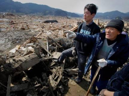 The yakuza members helping at the tsunami-hit areas.