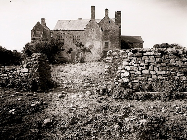 Sker House (haunted locations)