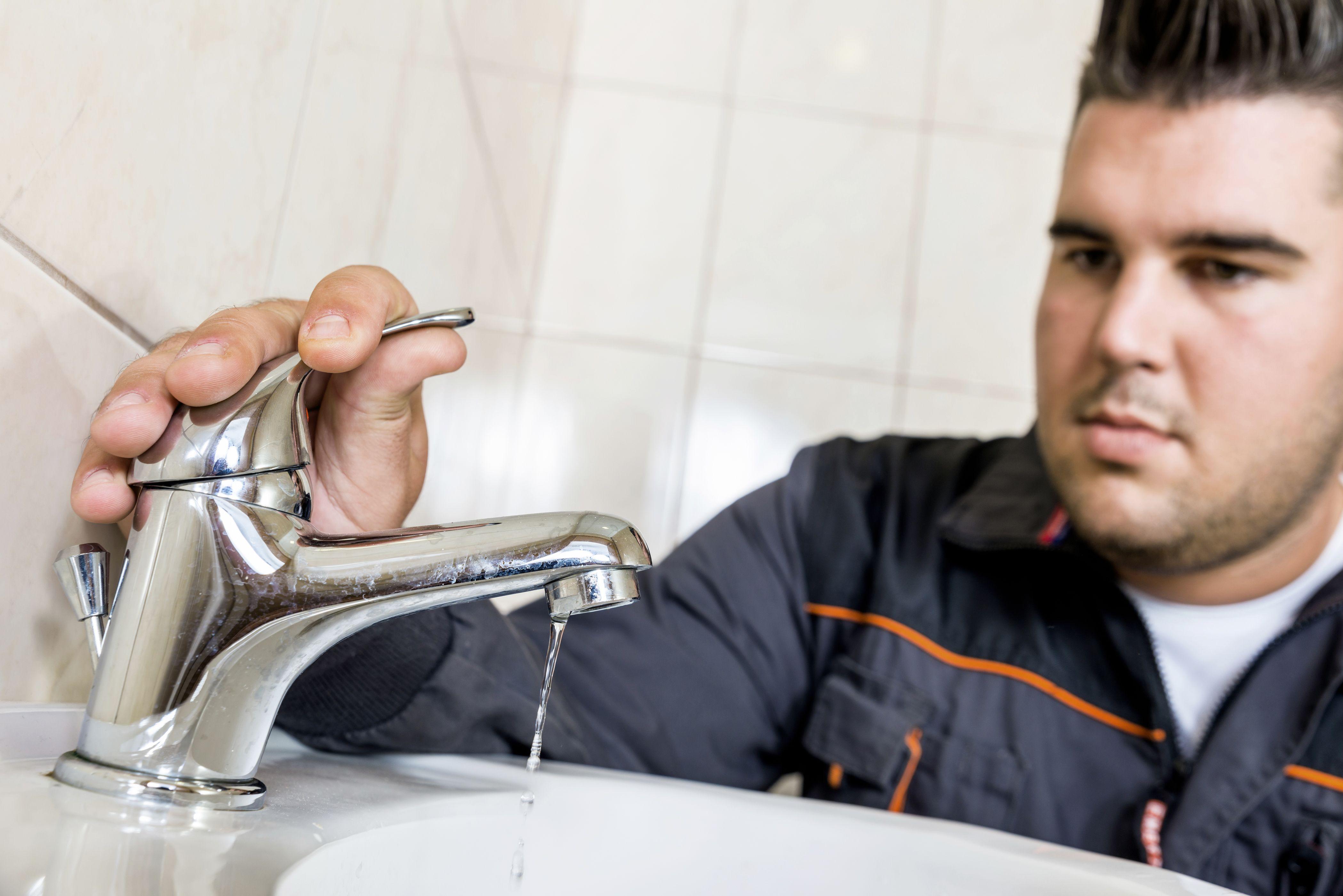 2021 average sink or faucet repair cost