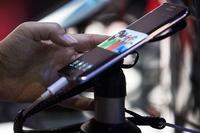 【電子版】世界のスマホ市場、減速鮮明 17年は初の減少―米IDC調査