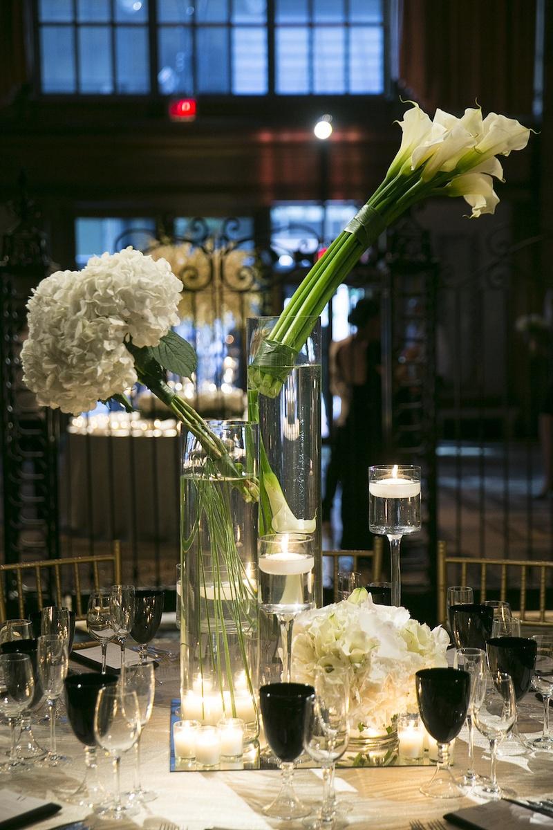 Reception Décor Photos - Contemporary White Flower ...