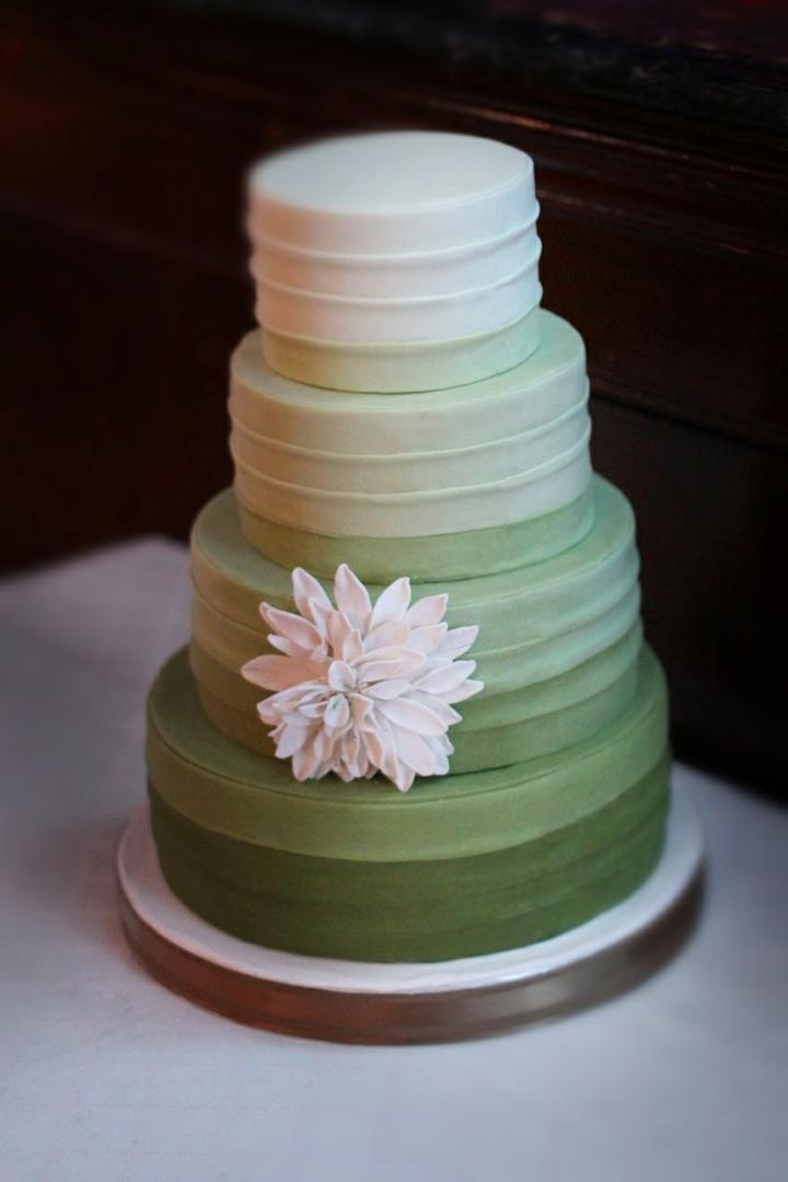 Cakes   Desserts Photos   White and Green Ombr     Wedding Cake     Green ombre wedding cake without cake topper