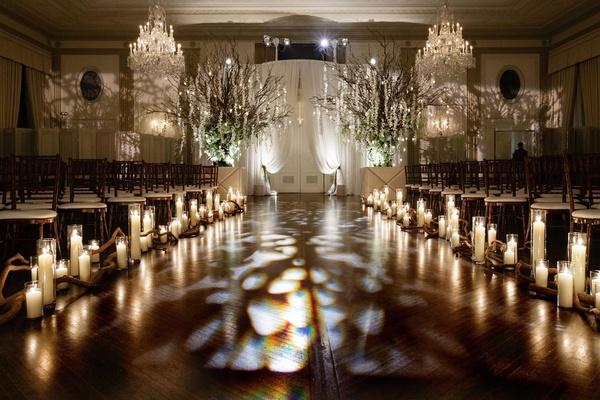 Indoor Chicago Wedding Celebration With Outdoor-Inspired