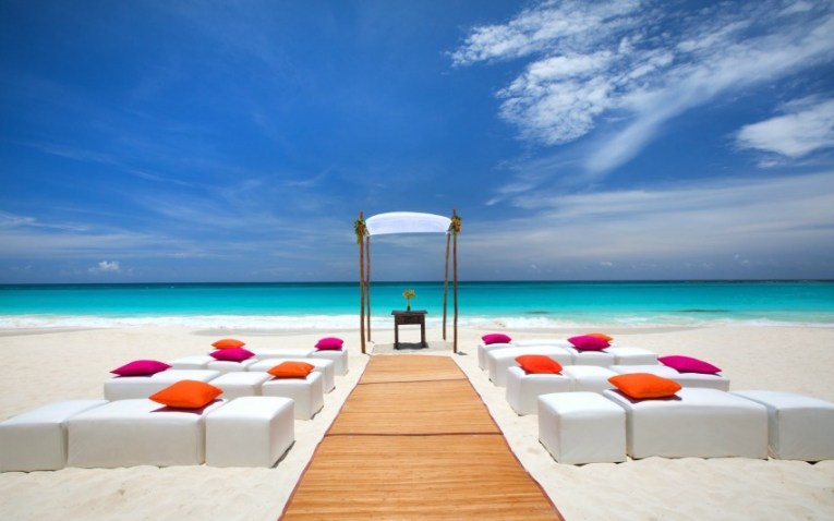 Destination Wedding Locations in the Caribbean   Mexico   Inside     The Westin Cancun beach wedding