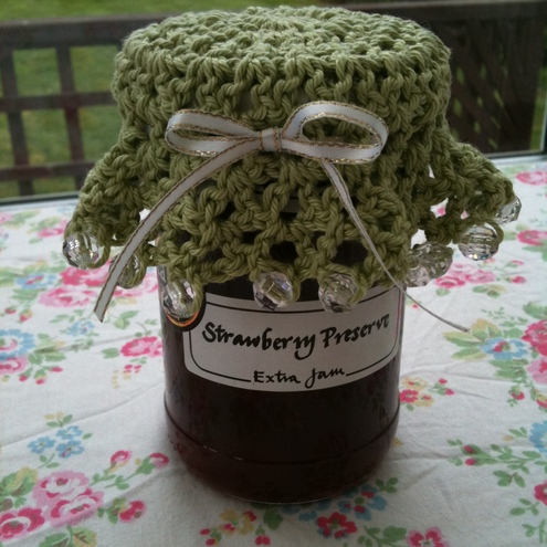 Crocheted, beaded jam jar cover - Maria Rose