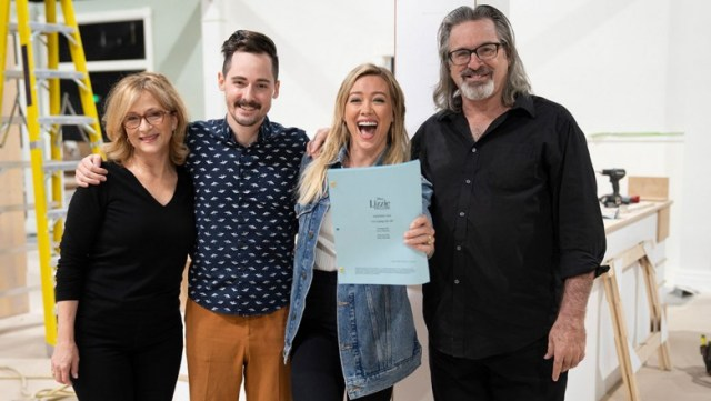 Lizzie McGuire's Entire Family to Return for New Disney+ Series - D23