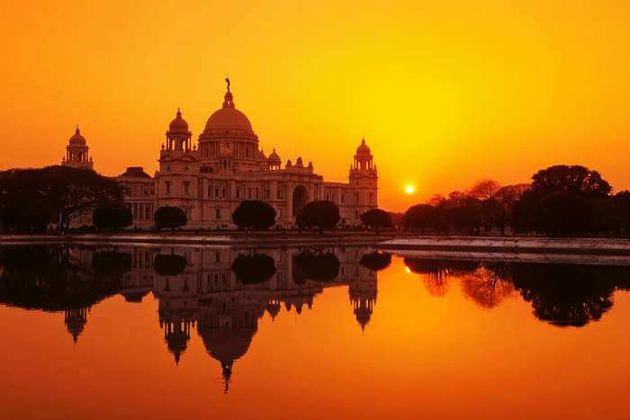 The picturesque Victoria Memorial in Kolkata - the beautiful city of India top 10 most beautiful cities in india just info check