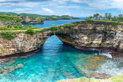 10 Best Islands Around Bali For Romantic Island Hopping