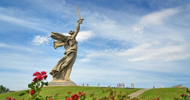 What Makes The Motherland Calls An Iconic Spot In Volgogard