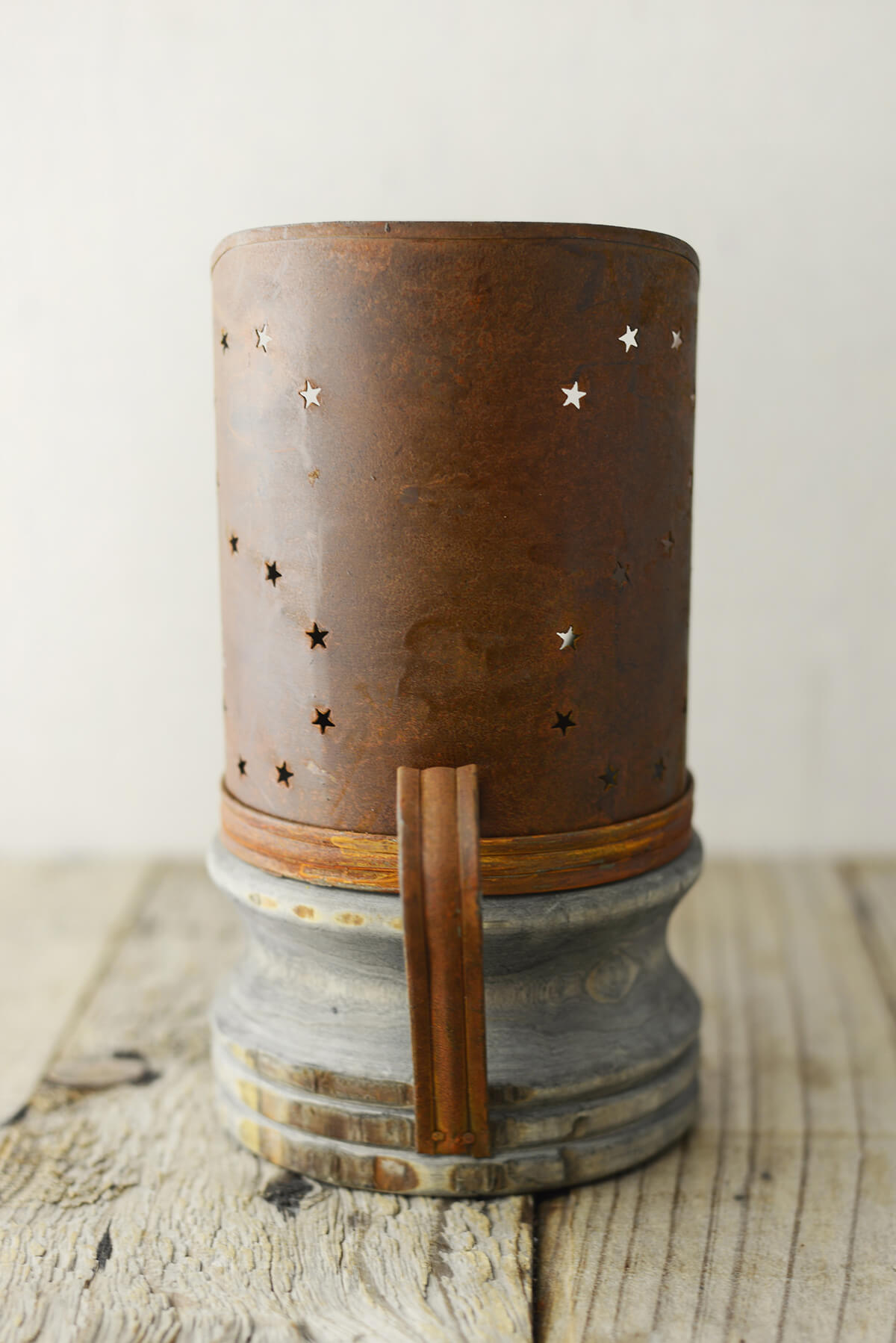 Rusty Candle Holder 775in