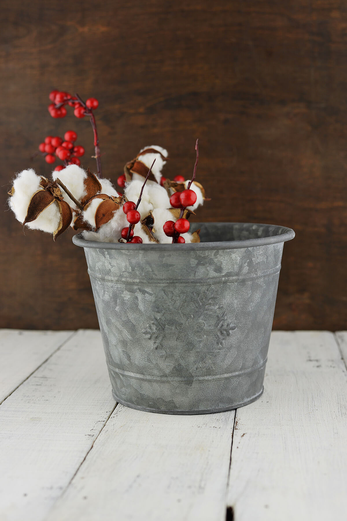 Snowflake Metal Bucket 7x55in