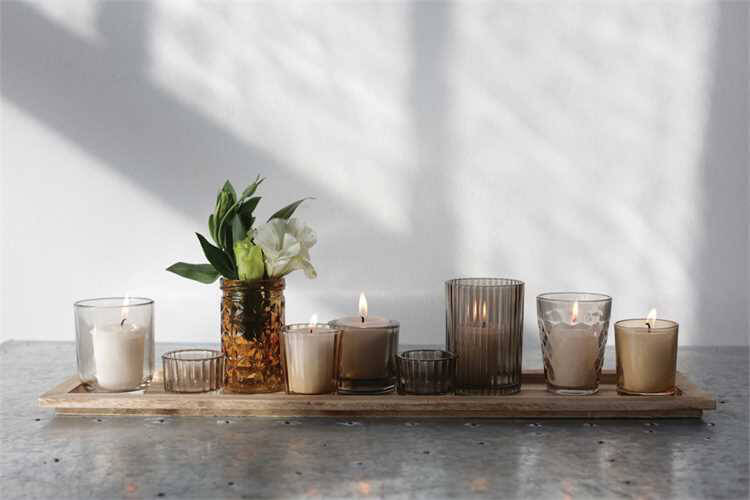 9 Votive Holders With 22in Tray