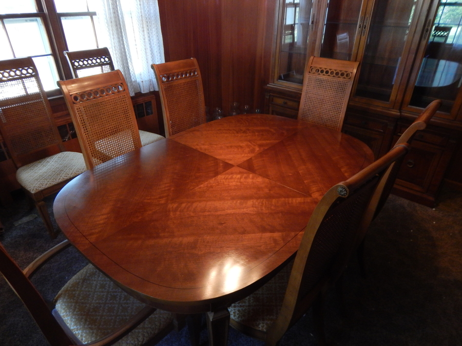 Thomasville Dining Room Set Circa 1966 Includes 8 Chairs 2 With Arms 2 My Antique
