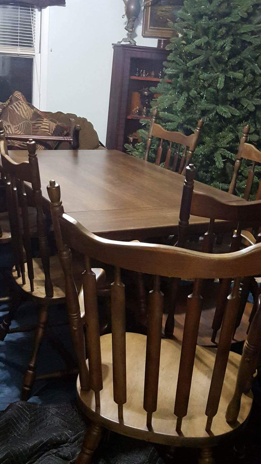 Hale Hard Rock Maple Table With 2 Leaves 6 Chairs And