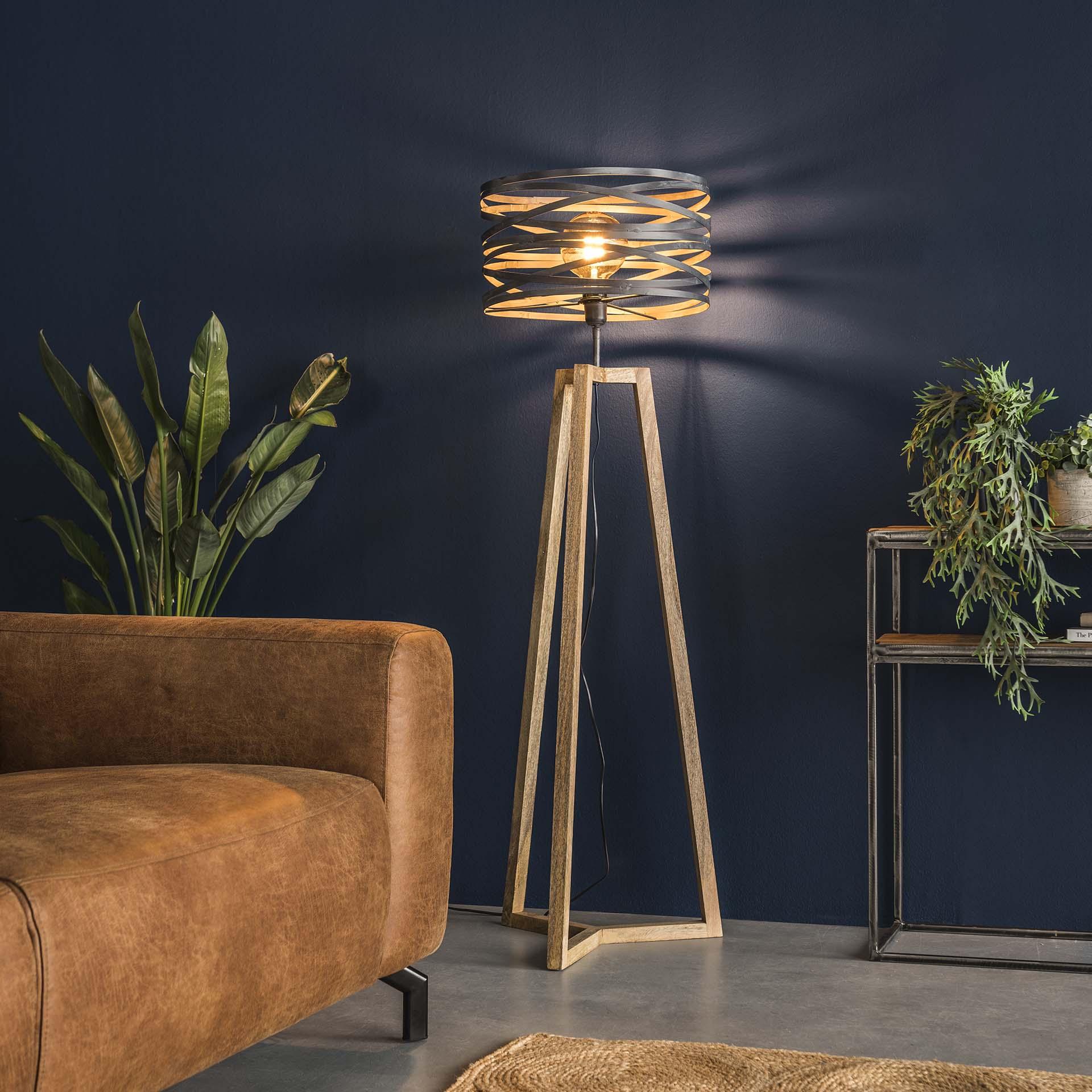 lampadaire moderne gris effet ruban pied bois naturel lucknow lampadaires pier import