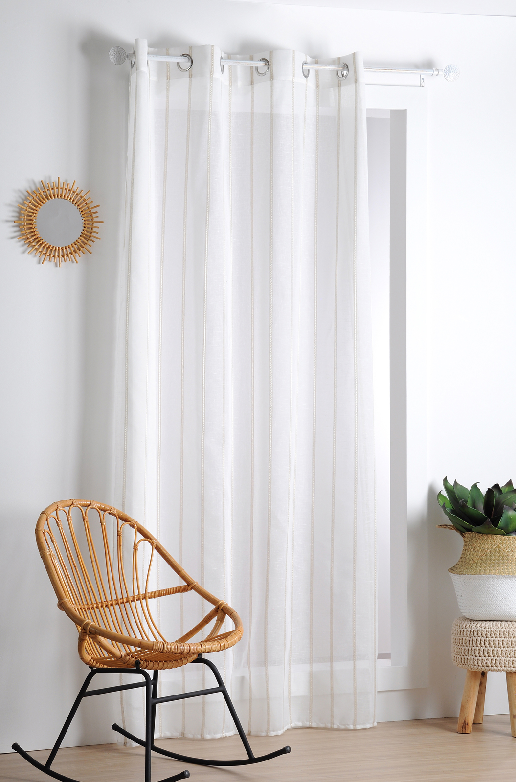 rideau voilage blanc rayures verticales a oeillets 140x260cm hela